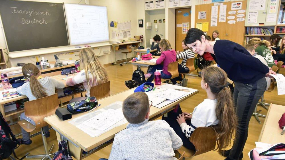 Une classe bilingue de 7H au centre scolaire de Gravelone.
