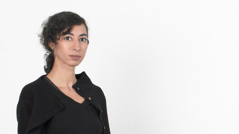 Latifa Echakhch est représentée aujourd'hui par quatre galeries: Kamel Mennour à Paris, Kaufmann Repetto à Milan, Dvir à Tel-Aviv et Eva Presenhuber à Zurich.