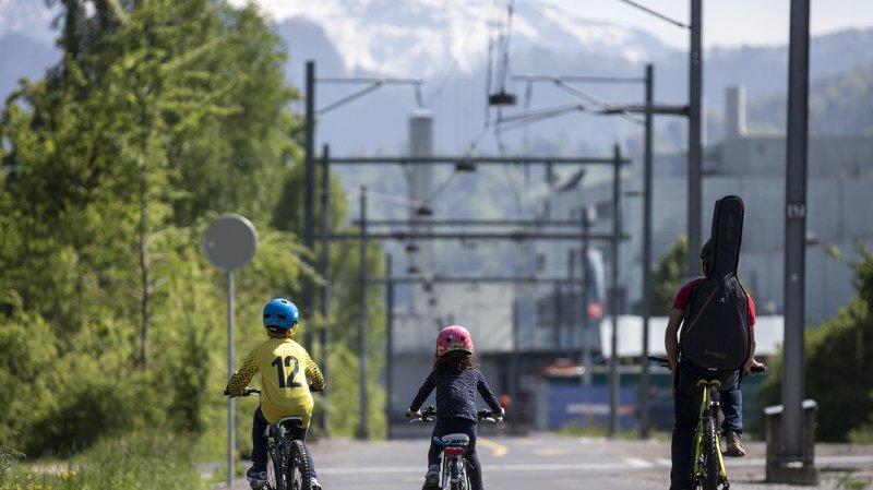 Mobilité: les grandes villes suisses alémaniques veulent développer les rues cyclables