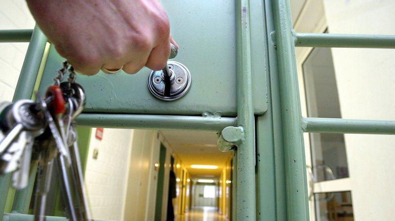 Zurich: une femme de 35 ans est condamnée à 18 ans de prison pour avoir tenté de tuer un adolescent
