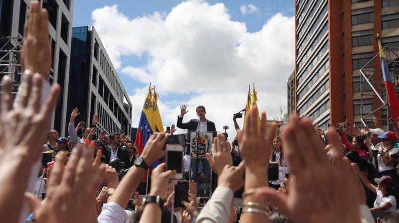 Venezuela: heurts à Caracas après l'autoproclamation de Juan Guaido