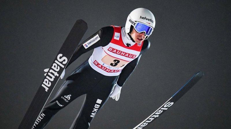Simon Ammann a sauté à 121 et 122 m.