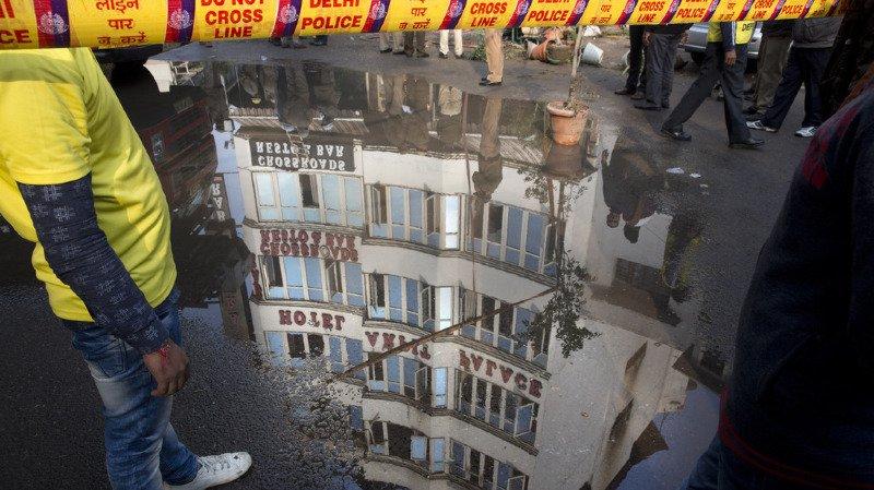 L'incendie a ravagé un hôtel du centre de New-Delhi et a entraîné la mort d'au moins 17 personnes