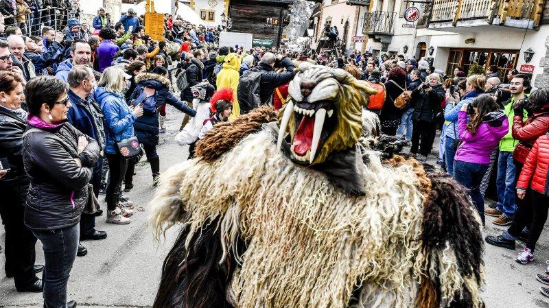 Trois bonnes raisons de plonger au cœur de la tradition ancestrale du carnaval d'Evolène