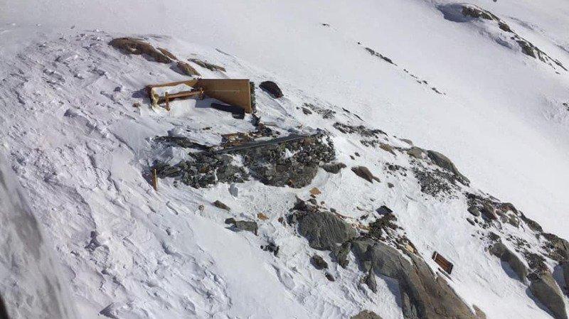 Le Mittelaletschbiwak SAC a été emporté par une avalanche.