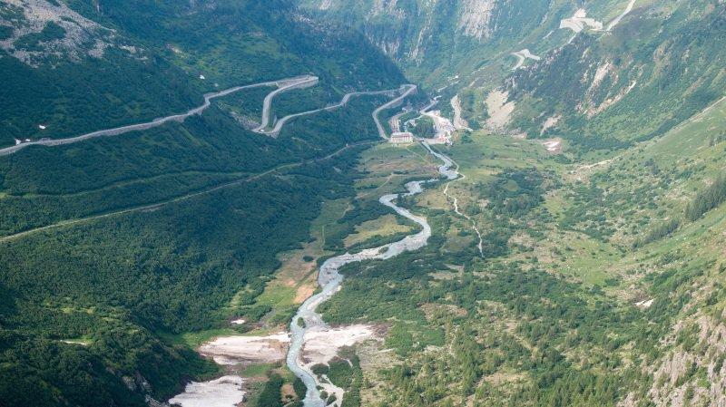 Gletsch: maigre consolation, le recul du glacier du Rhône favorise la biodiversité