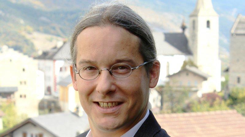Député et conseiller communal, Emmanuel Amoos est candidat au Conseil national.