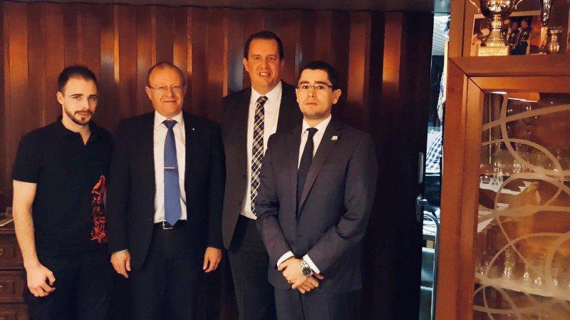 Jérôme Amos et Martin Reist, candidats au Conseil national entourent Jean-Luc Addor qui se représente au National et Cyrille Fauchère qui part pour le Conseil des Etats.