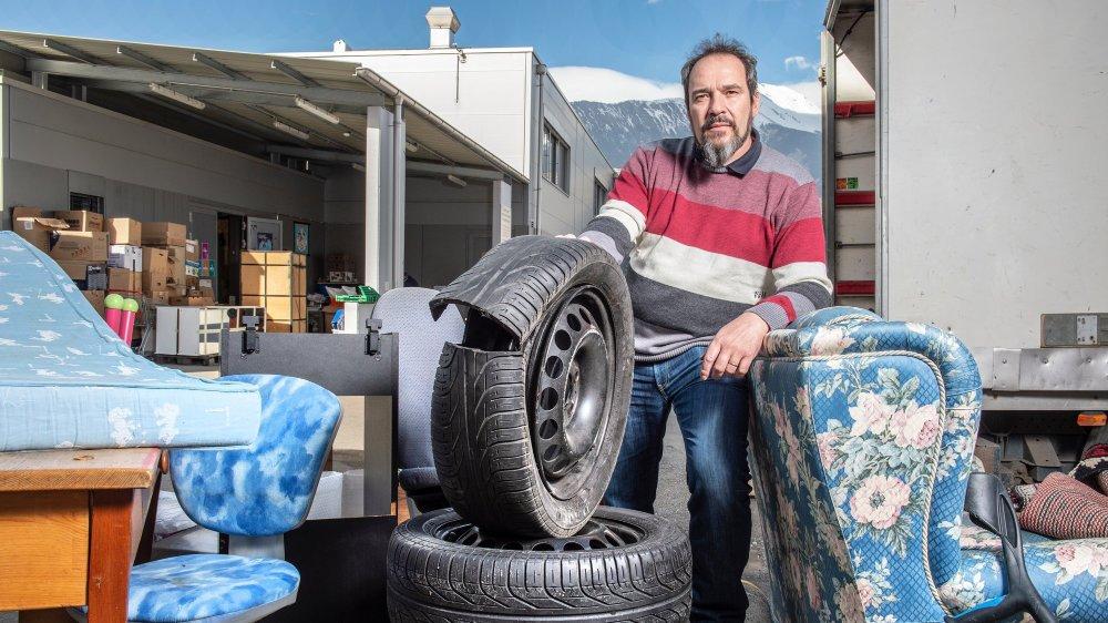 Emmaüs a payé 36 000 francs pour éliminer ses déchets et les marchandises invendues en 2018 selon son directeur. En cause l'application stricte du principe de pollueur payeur.