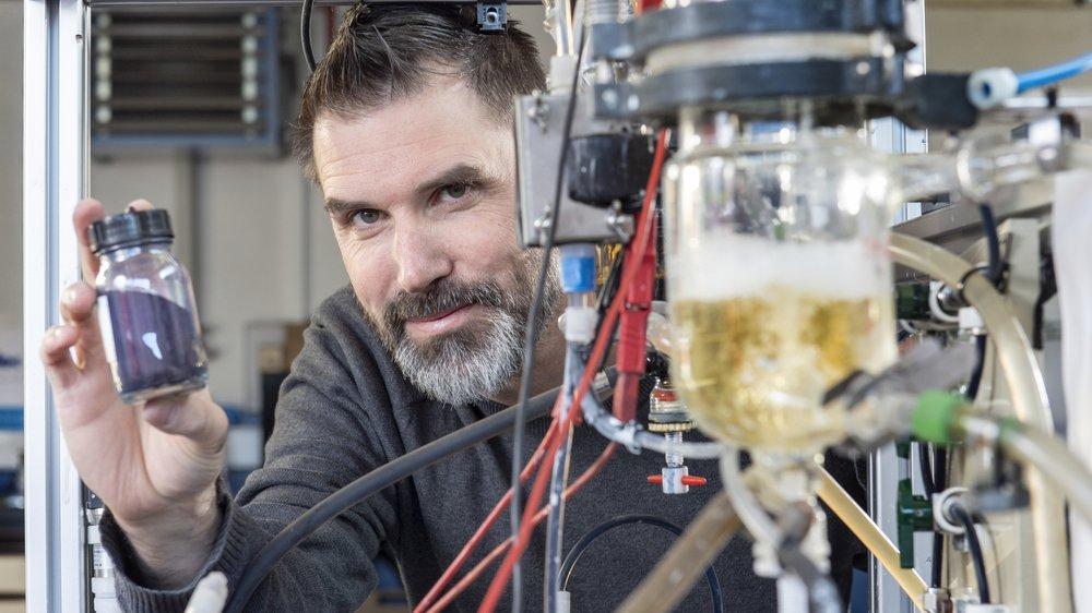 Docteur en chimie et concepteur d'une technologie écologique pour teindre les jeans, David Crettenand aura dû attendre 12 ans pour industrialiser et commercialiser son invention.