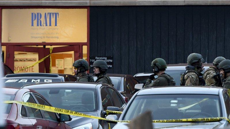 Cinq morts dans une fusillade à Aurora (Photos) — Etats-Unis