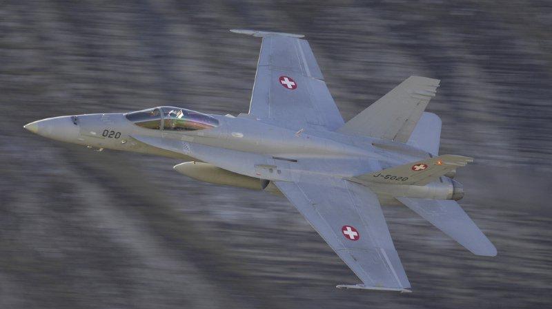 Forces aériennes: tous les avions F/A-18C contrôlés suite à une fissure suspecte