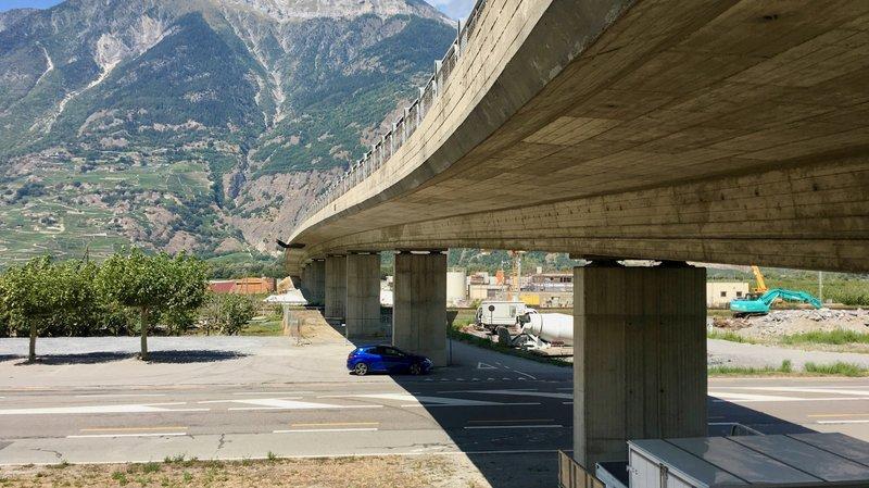 Des travaux ont été planifiés pour assainir le pont reliant Fully à Saxon d'ici 2019 ou 2020.