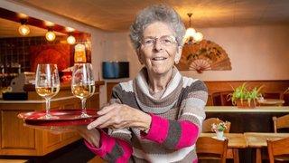 A 81 ans, elle tient encore son bistrot à Collonges