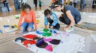 Le Châble: les enfants préparent le carnaval avec des ciseaux, de la peinture et de la colle