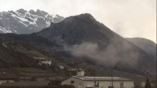 Leytron: une chute de pierres provoque un gros nuage de poussière
