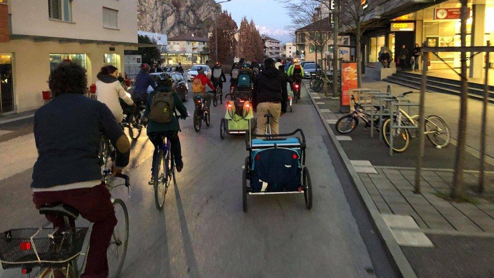 Lors de la précédente édition en février dernier, une cinquantaine de cyclistes ont déferlé dans les rues de Sion.