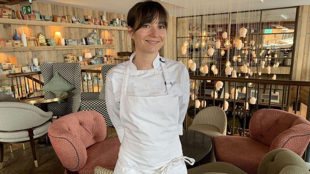 Sédunoise par sa maman, Emmanuelle Leftick séduit par sa cuisine originale qui porte déjà la signature d'une grande cheffe.
