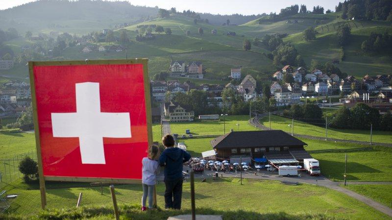 Notre système de santé glorifié, le héros géorgien de Schär et plus de 15'000 diamants à Bâle… l'actu suisse vue du reste du monde