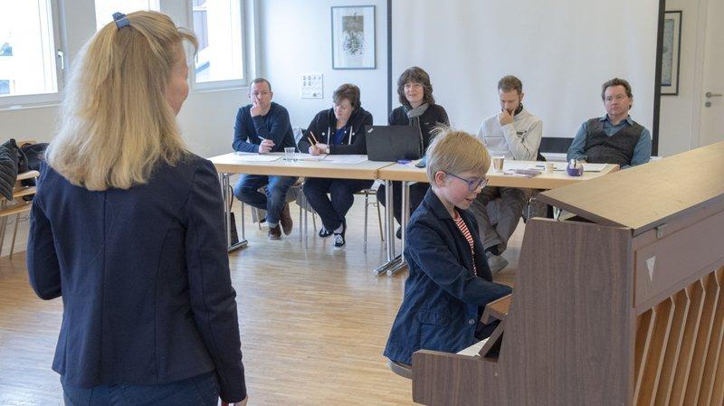 Karine Spreng et son fils Damien ont su séduire le jury. Ils poursuivront l'aventure du projet «Chansons sur scène».