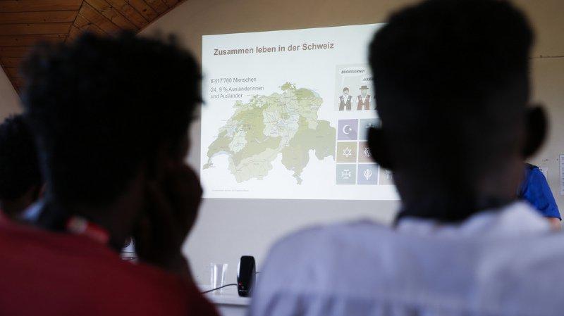 La très grande majorité des requérants expulsés ne tentent pas de revenir en Suisse (illustration).