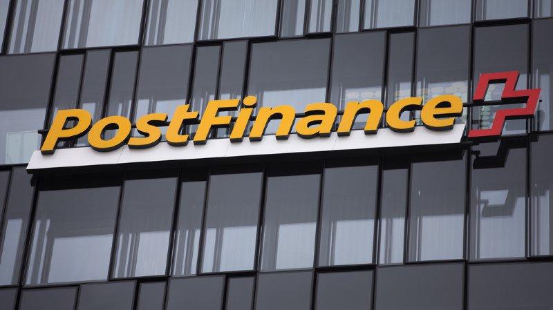 La Poste: les frais de Postfinance facturés plus cher aux Suisses de l'étranger