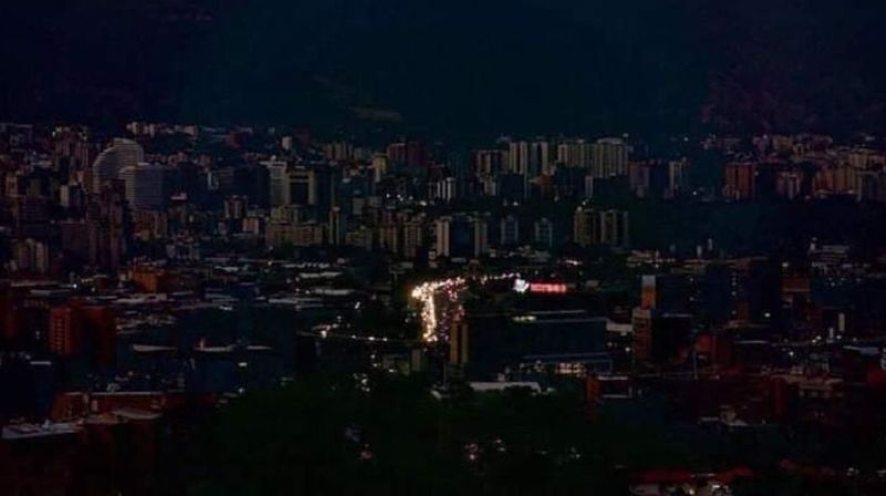 Une panne d'électricité monstre a plongé Caracas et la moitié du Venezuela dans le noir