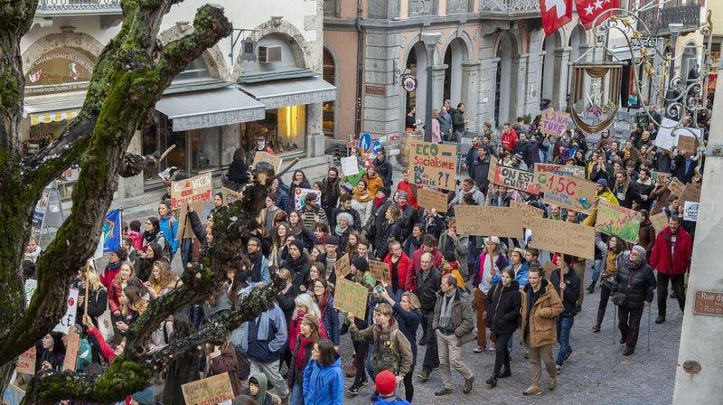 Le Valais aussi a fait son premier pas pour le climat: ils étaient 1200 à marcher dans les rues de Sion