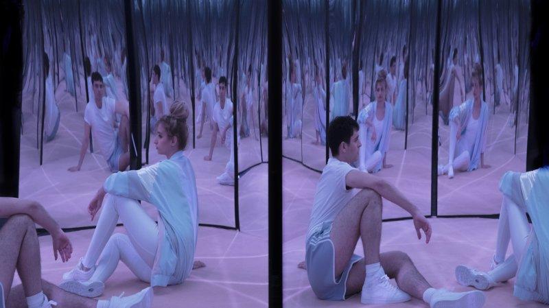 """""""Self-Help"""", ou le suaire d'un fait divers à découvrir au Petit-Théâtre de Sion."""