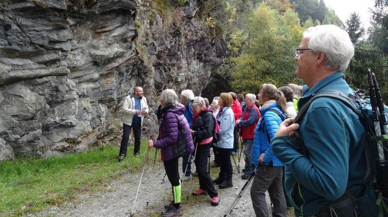 A l'exemple de cette sortie sur l'ancien chemin de Vallorcine à Tête Noire en 2017, Vallis Triensis a organisé de nombreuses sorties-découvertes en vingt ans d'existence.