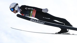 Saut à ski: la FIS annule le record suisse de vol à ski de Simon Ammann