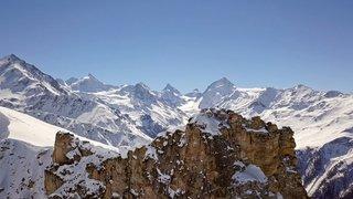 «Le Valais depuis les airs»: vol au-dessus de Saint-Luc et Chandolin