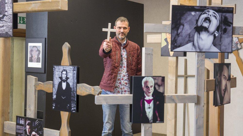 Philippe Duvanel, directeur du château de Saint-Maurice, lance sa 5e exposition avec «Dracula» et sa profuse iconographie.