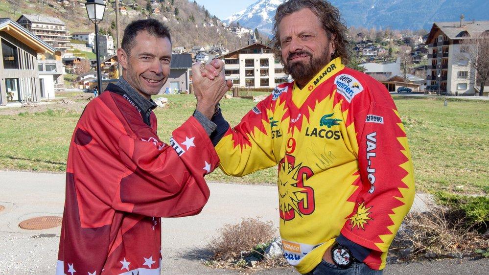 Cédric et Olivier Revaz sont frères, vivent à Salvan mais supportent chacun un club: le HCV Martigny pour le premier, le HC Sierre pour le second.