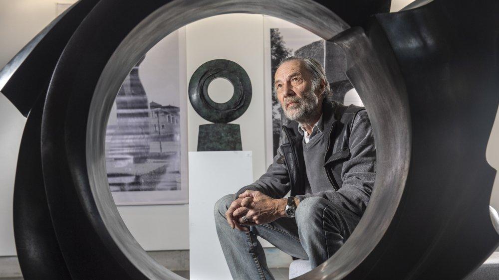 Durant sa dernière décennie de travail, André Raboud a beaucoup travaillé sur la symbolique du cercle parfait, s'inspirant notamment du geste pictural effectué par les moines durant la méditation au Japon.