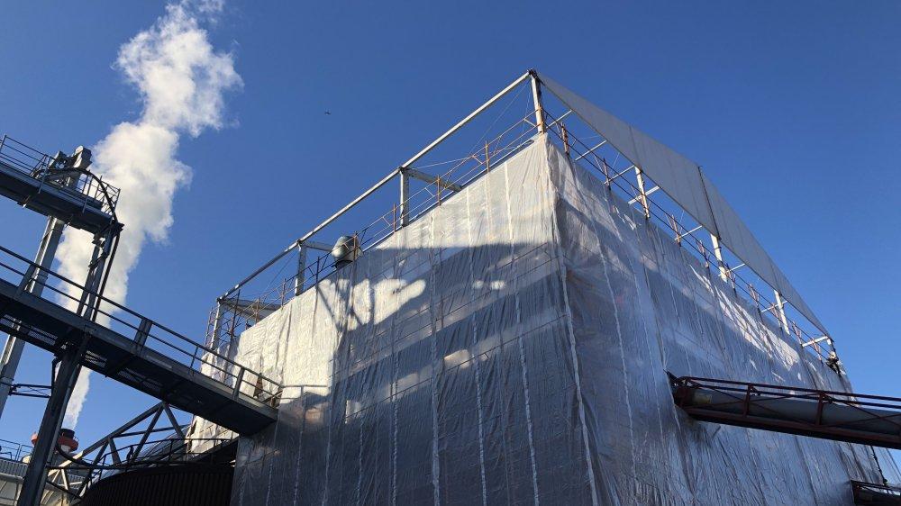 Les installations sont toujours en réparation. La fabrication de pellets sera fonctionnelle à 100% à partir de septembre.