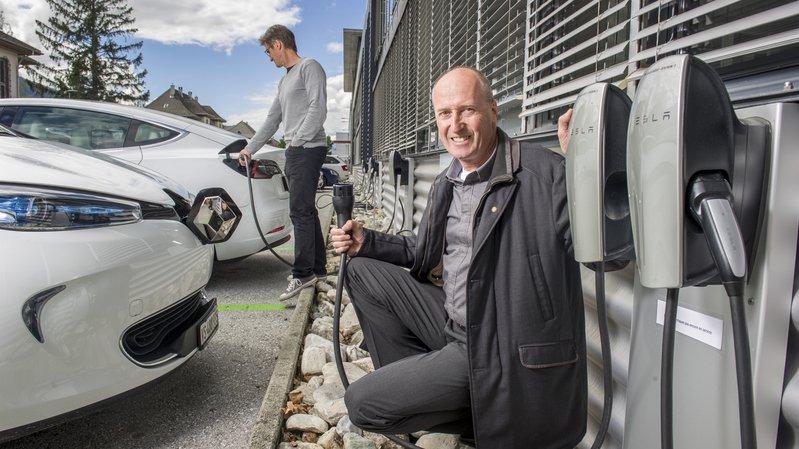 Sierre: le Techno-Pôle offre seize bornes de recharge pour véhicules électriques à ses résidents