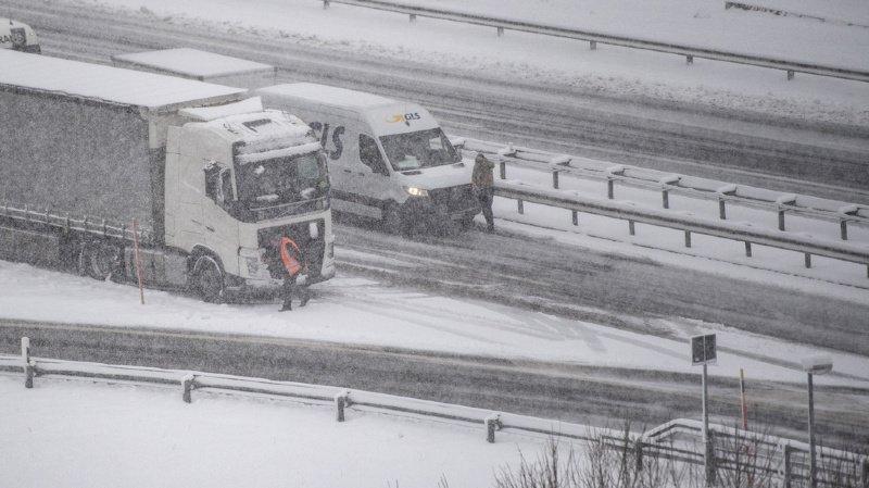 Météo: la neige pourrait faire son retour en plaine jeudi, jusqu'à un mètre attendu localement en montagne