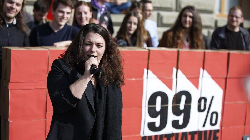 Les Jeunes socialistes ont déposé leur initiative qui veut taxer les 1% des Suisses les plus riches