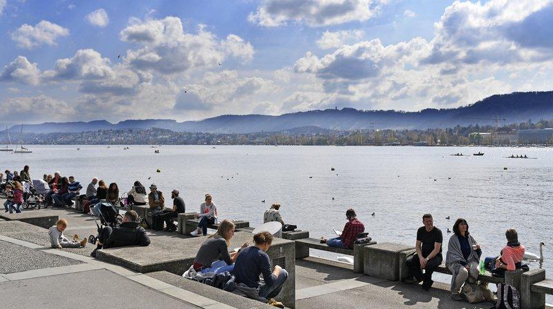 Des températures de plus de 20 degrés sont prévues ces prochains jours dans de nombreuses régions en Suisse.