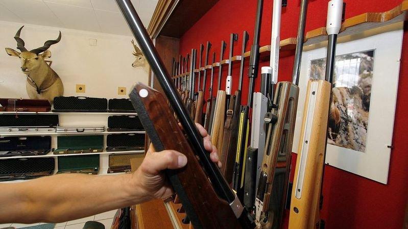 Chasseurs, sportifs ou policiers, qu'est-ce qui va changer et pour qui si l'on modifie la loi sur les armes