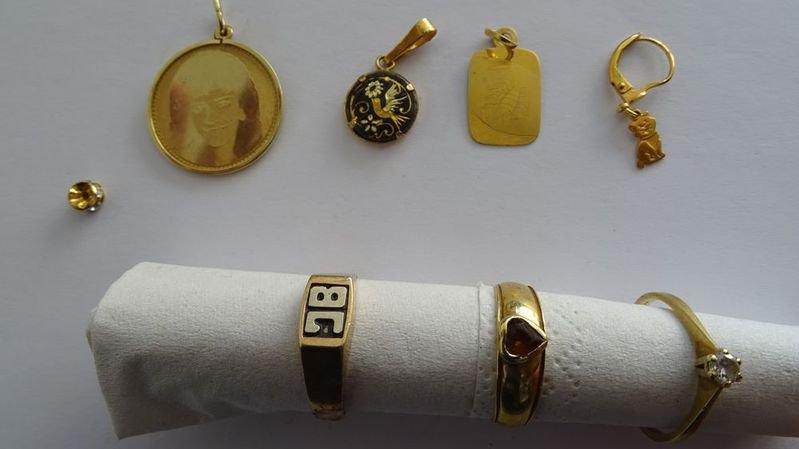 La police bernoise cherche les propriétaires de bijoux volés