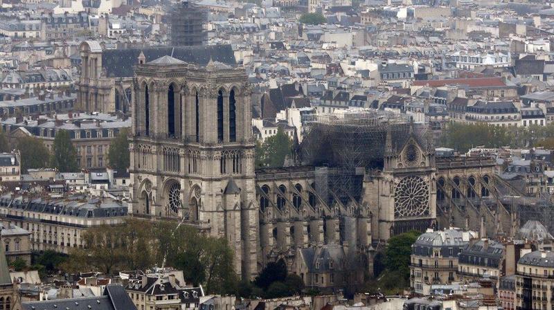 Incendie de Notre-Dame: pour le consul de France en Valais, «c'est comme si on avait planté un couteau dans le cœur des Français»