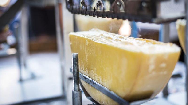 19 laiteries ou fromageries d'alpage décrochent une médaille d'or pour leur Raclette du Valais AOP