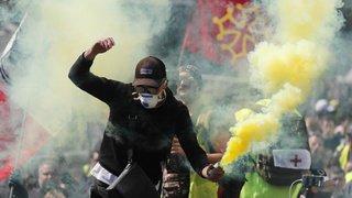 """Acte XXII des """"Gilets jaunes"""" en France: montée de tension à Toulouse"""
