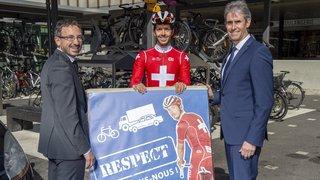 Sécurité routière: automobilistes et cyclistes invités à mieux se regarder