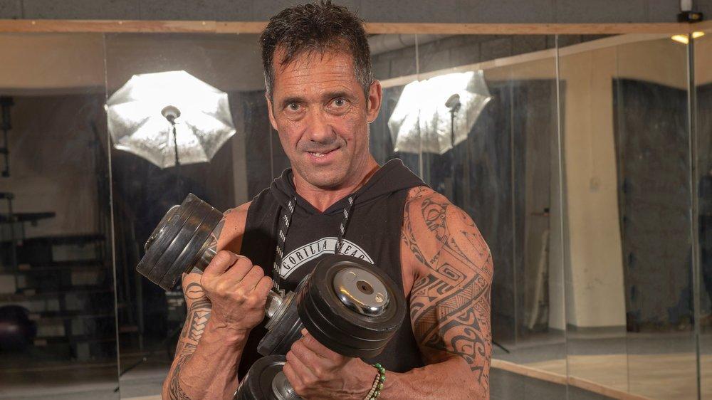 Nicolas Guilhaume peaufine les derniers détails de sa préparation pour les championnats d'Europe de bodybuilding.