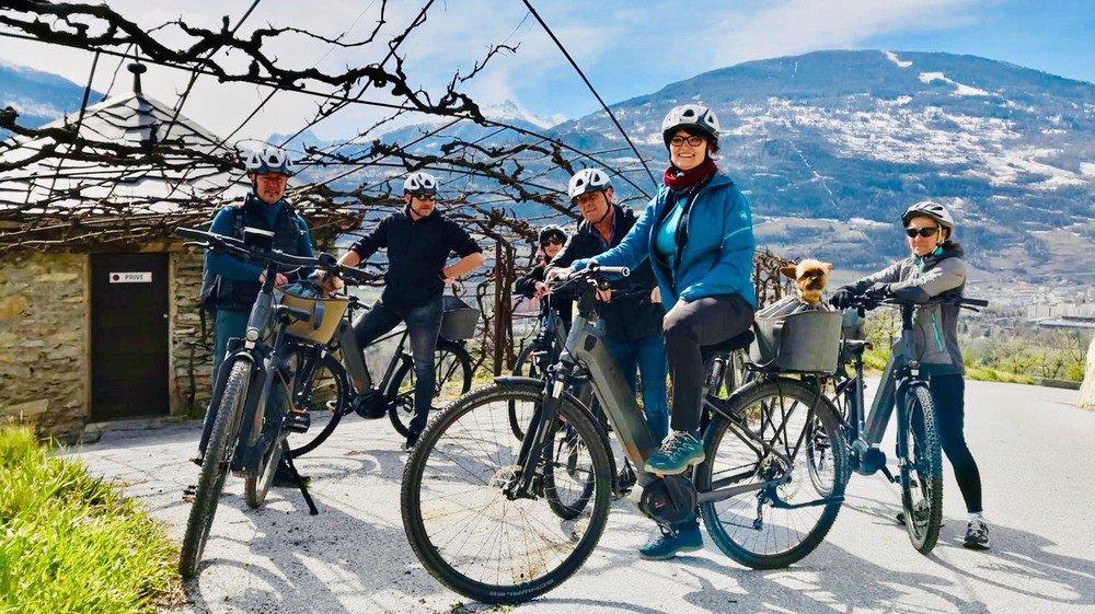 Marier œnotourisme et vélo électrique: une première en Valais.