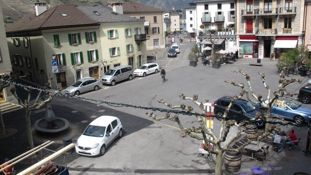 D'ici quelques semaines, toute circulation sera interdite sur la place du Bourg, qui deviendra exclusivement piétonne.