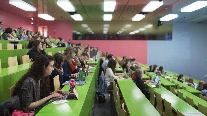 Formation: en vingt ans, le nombre de femmes de 25 à 34 ans à avoir un diplôme supérieur a quadruplé